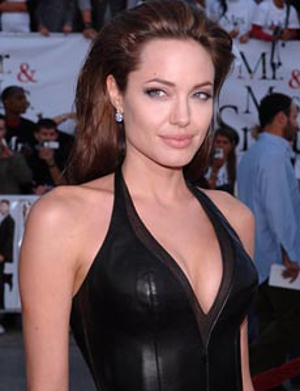 <em>Edwin A. Salt</em> to star Angelina Jolie instead of Tom Cruise