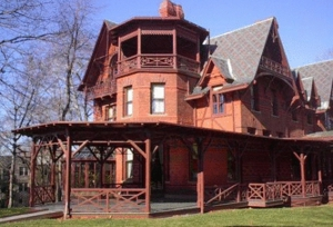 Mark Twain House, nearly bankrupt, holds fundraiser