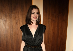 Hathaway and Bonham Carter join Burton's <em>Alice</em>