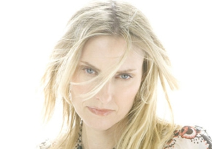 Aimee Mann plans third annual Christmas-themed tour