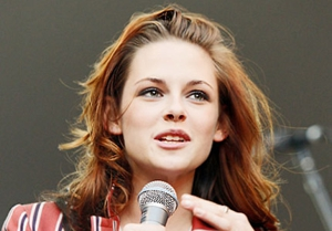 <em>Twilight</em> star Stewart to play Joan Jett in <em>The Runaways</em>