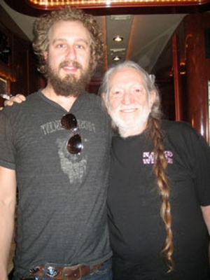 Phosphorescent Meets Willie Nelson, Will Perform on His Sirius XM Radio Channel Tonight