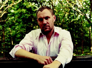David Gray Kicks Off Presale for &lt;em&gt;Draw the Line&lt;/em&gt; Tour