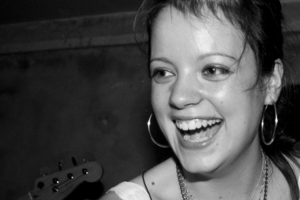 Billy Bragg, Patrick Wolf, Radiohead, More Back Lily Allen in Illegal Firesharing Battle