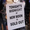 <em>Twilight: New Moon</em> Breaks Midnight and Opening-Weekend Records