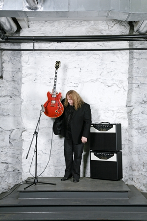 Album Stream: Warren Haynes - <i>Warren Haynes Band: Live At The Moody Theater</i>