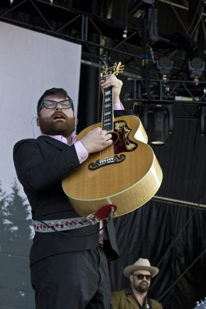 Album Stream: The Decemberists - &lt;i&gt;We All Raise Our Voices To The Air (Live Songs 04.11-08.11)&lt;/i&gt; Disc Two