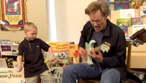 Watch Conan O'Brien and Chicago Schoolchildren Sing the Blues
