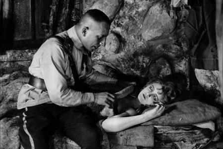 100-Best-Silent-Films-foolish-wives.jpg