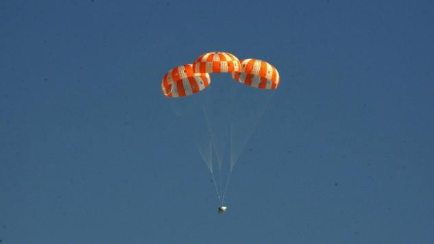 2. orion parachute.jpg