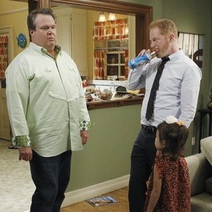 "<i>Modern Family</i> Review: ""Door to Door"" (Episode 3.04)"