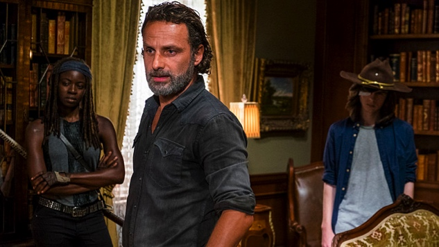 "<i>The Walking Dead</i> Review: ""Rock in the Road"""