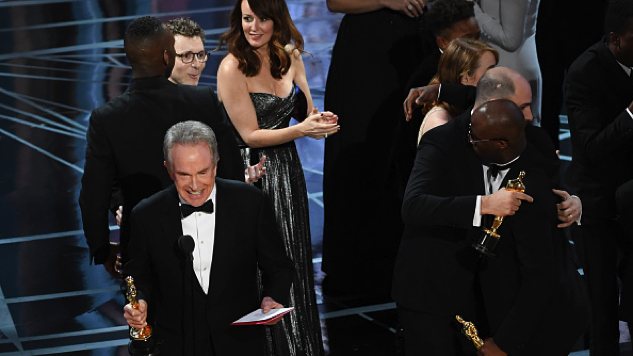 Faye Dunaway and Warren Beatty Announce Wrong Best Picture Oscar Winner