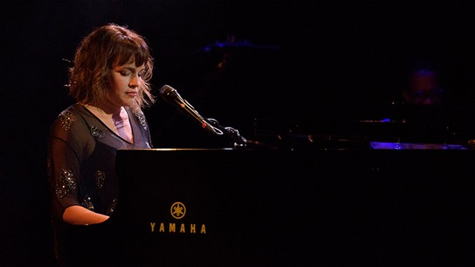 Norah Jones's NYC Residency Reveals the Best Contradictions of Her Career