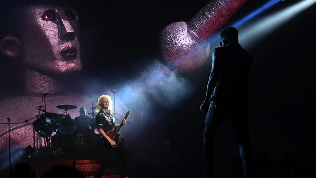 "Celebrate Brian May's Birthday with this Stunning Live Version of Queen's ""We Will Rock You"""