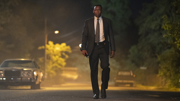 "<i>True Detective</i> Review: ""Hunters in the Dark"""