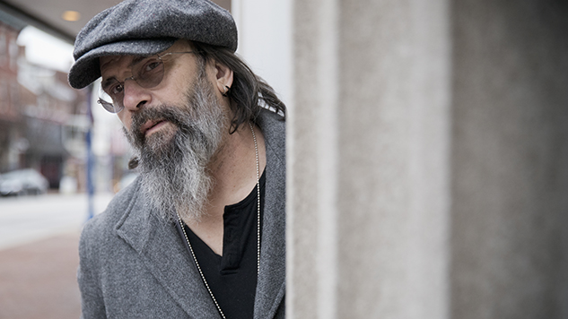 "Exclusive: Steve Earle Cuts Deep with ""The Randall Knife"""