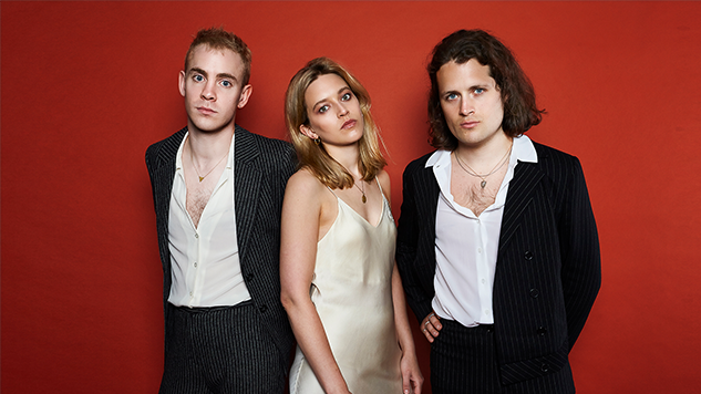 """Irish Trio whenyoung Preview Debut Album <i>Reasons to Dream</i> with New Single """"Future"""""""