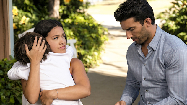 "In ""Chapter Eighty-Four,"" <i>Jane the Virgin</i> Learns the Value of Talking It Out"