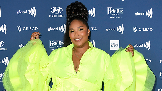 "Listen to Lizzo's Gorgeous Cover of ""Shallow"" to Remind Yourself That Life Is Good"