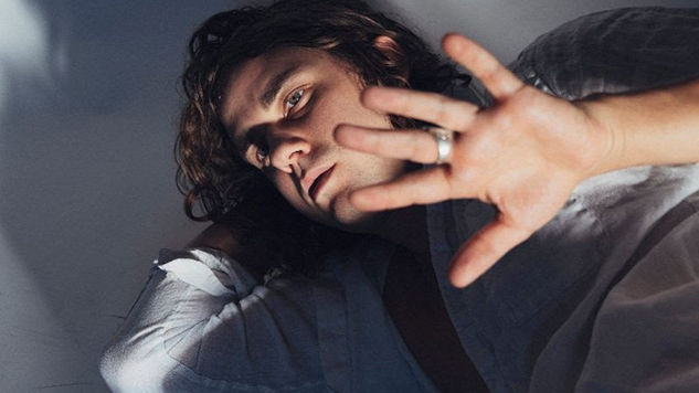 "Kevin Morby Enlightens the Youth in Video for New Track ""OMG Rock n Roll"""
