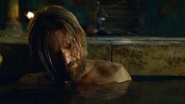 """Our Favorite Scenes in <i>Game of Thrones</i>: Brienne and Jaime Call a Truce in the Tub, """"Kissed by Fire"""""""