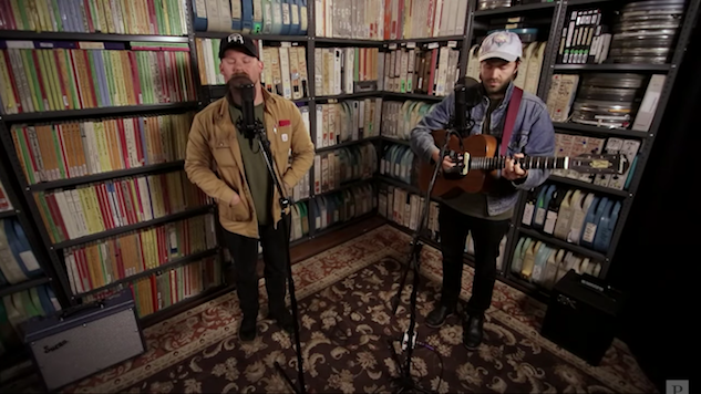 "Watch Penny and Sparrow Cover John Denver's ""Annie's Song"" in the <i>Paste</i> Studio"