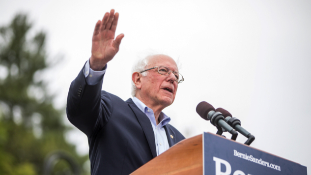 """Bernie Sanders Is Asked About a """"Third Gender,"""" Has a Perfect Answer"""