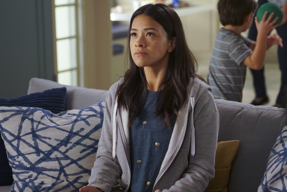 "The Man of the House Complicates <i>Jane the Virgin</i>&#8217;s World in a Breakneck ""Chapter Ninety-Two&#8221;"