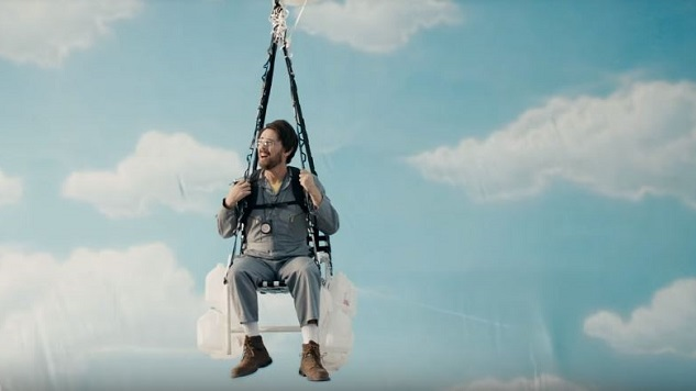 Watch <i>Drunk History</i> Share the Heroic Story of Lawnchair Larry, Starring Colin Hanks