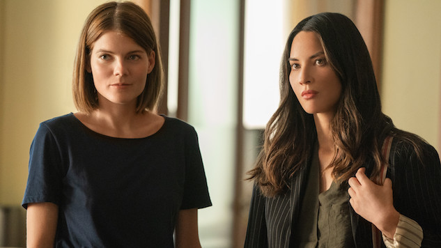 <i>The Rook</i> Is a Stylish, Ambitious Memory-Loss Thriller That's Hard to Forget