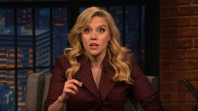 Kate McKinnon Does a Funny Marianne Williamson Impression on <i>Late Night</i>