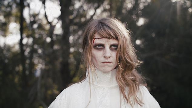 "Art-Folk Singer-Songwriter Bonniesongs Releases Ghoulish New Single ""Frank"""