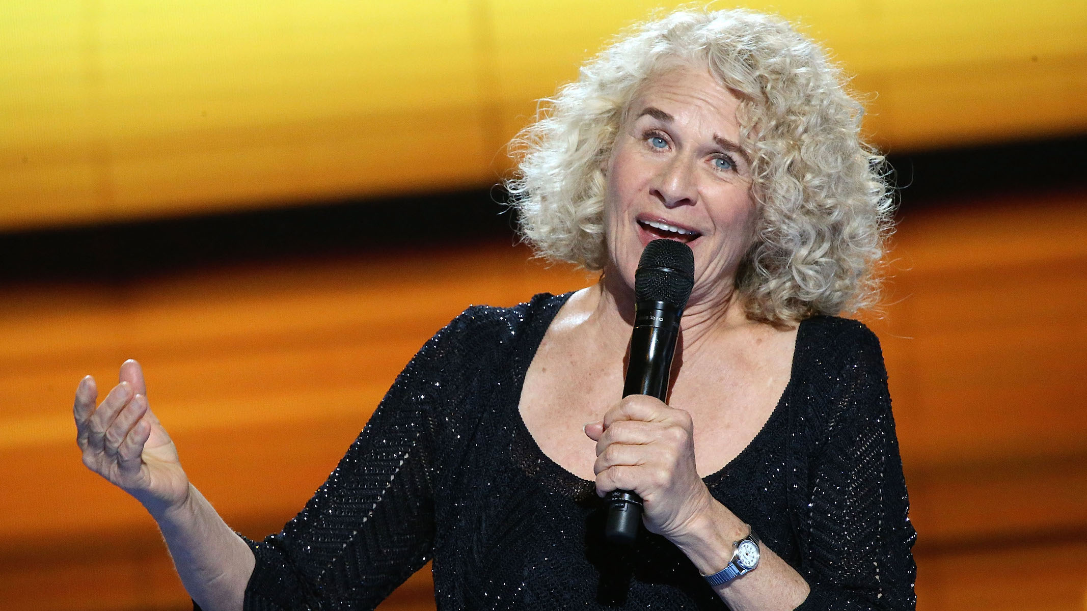 Hear Carole King Command a New York Stage in 1993