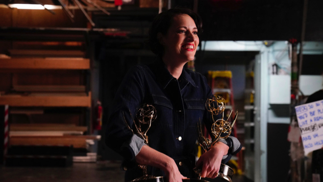 Phoebe Waller-Bridge and Her Emmys Are Inseparable in New <i>Saturday Night Live</i> Promo
