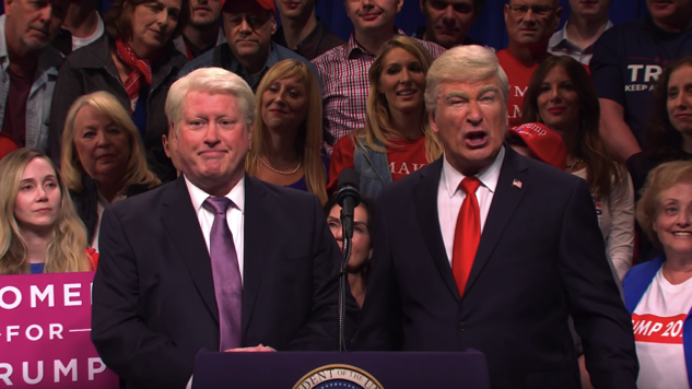 Watch Darrell Hammond Return as Bill Clinton in <i>SNL</i>'s Trump Rally Cold Open