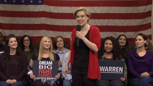 Kate McKinnon Channels Elizabeth Warren at an Iowa Rally in This <i>SNL</i> Sketch
