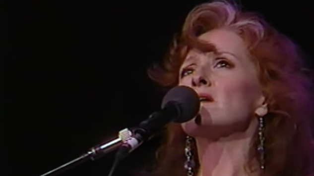 "Watch Bonnie Raitt Sing ""Angel From Montgomery"" On This Day in 1993"