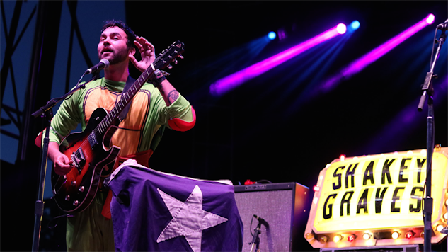 Hear Shakey Graves Play Songs From Debut LP <i>And The War Came</i> in 2014