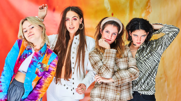 "Hinds Are ""Riding Solo"" on Their First New Single of 2019"