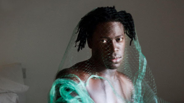 """Moses Sumney Shares the Dark Side of Polyamory on Stark New Single, """"Polly"""""""