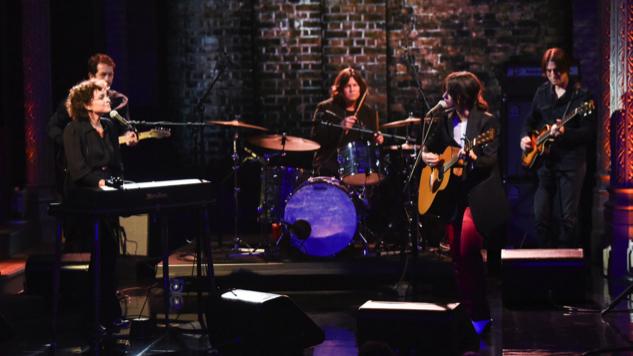 """Watch Sharon Van Etten and Norah Jones Perform """"Seventeen"""" on <i>The Late Show</i>"""