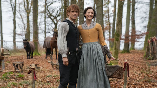 The <i>Outlander</i> Cast, EP Tease Season 5, Red Coats, Cats, and More