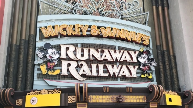 Disney World's Mickey & Minnie's Runaway Railway Ride Gets FastPass+ and an Animated Marquee