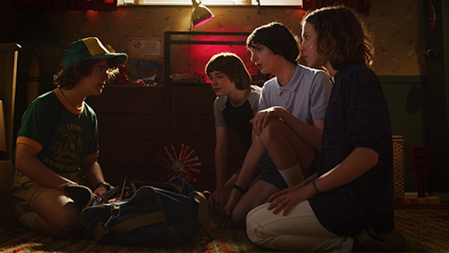 The <i>Stranger Things</i> Cast Reunites in New Season 4 Behind-the-Scenes Featurette