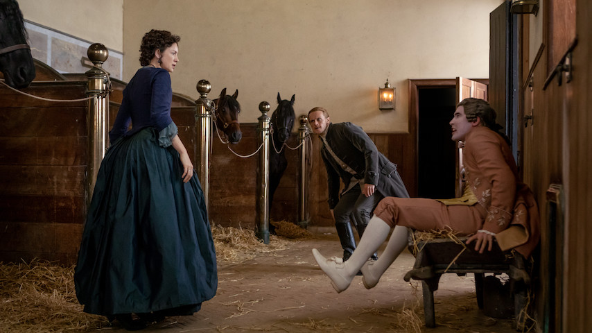 Watch: <i>Outlander</i> Unexpectedly Introduces Social Distancing