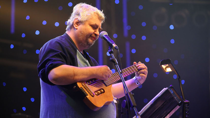 Watch Daniel Johnston Perform Live on This Day in 2009