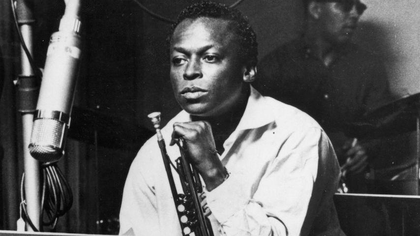 <i>Bitches Brew</i> Turns 50: Hear Miles Davis Perform Album Cuts Live in 1970