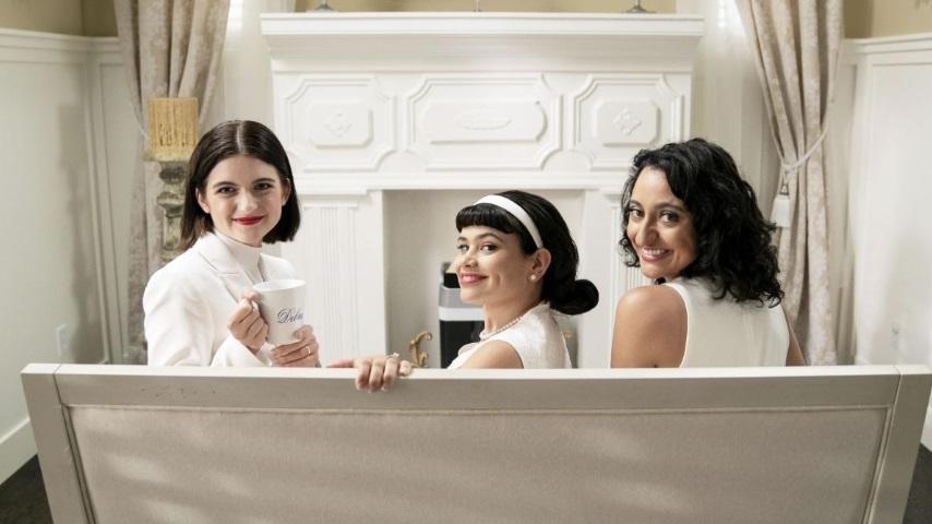 <i>Three Busy Debras</i> Are the Bizarre Bourgeoisie Queens of Quarantine