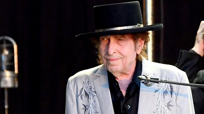 Bob Dylan Contains Multitudes on <i>Rough and Rowdy Ways</i>